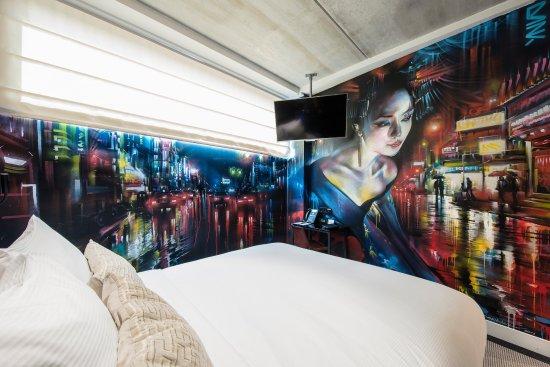 DoubleTree by Hilton Hotel Amsterdam - NDSM Wharf: Amsterdam Street Art Room