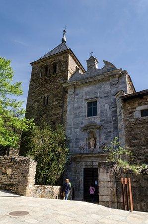 Ponferrada, إسبانيا: Fachada de la Iglesia.