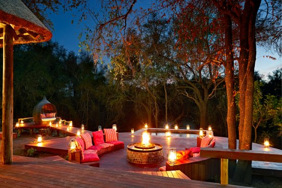 Jaci's Safari Lodge: Safari Suite Deck & Boma Area