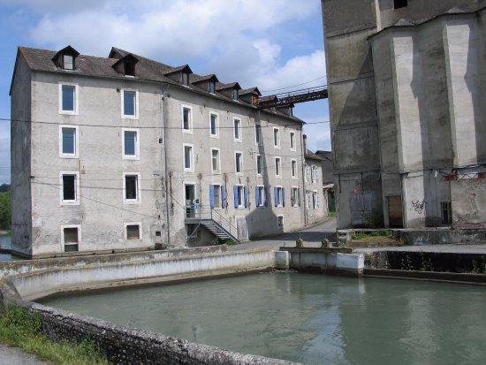 Nay, Francja: La Minoterie, Vue extérieure