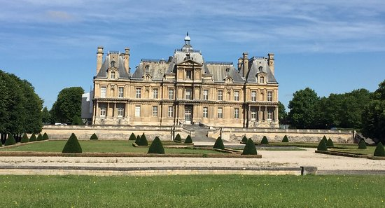 chateau of maisons laffitte all you need to know before. Black Bedroom Furniture Sets. Home Design Ideas