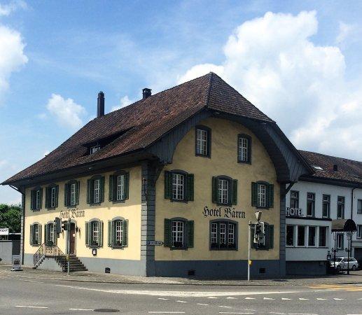 Suhr, Suiza: Aussenansicht