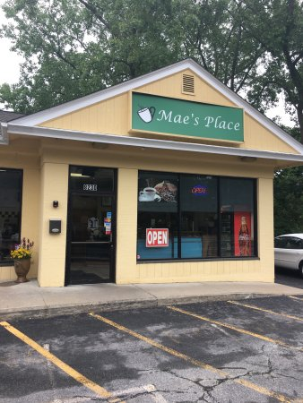 North Kingstown, RI: Mae's Place