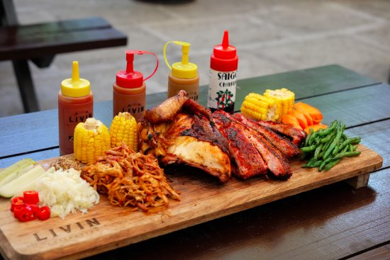 Smoked Platter with Corn, Carrots and Green Beans