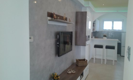 Guest House Surina Apartman GreenHoliday Living Roomfree WiFi Air Condition