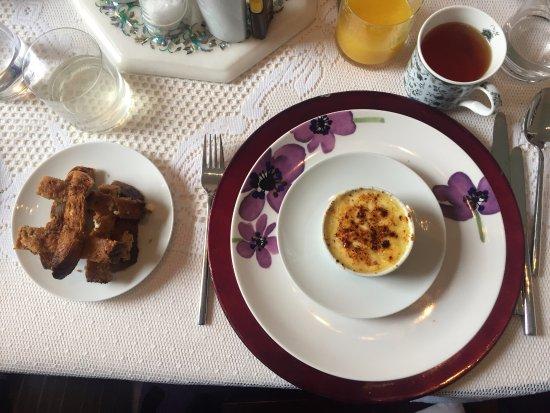 Allburys: breakfast time :D