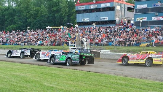 Long Sault, Canadá: 125 Lap Modified Divison of Stock Cars, 2015