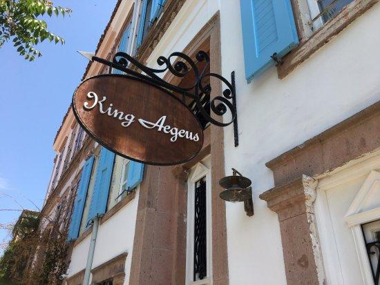 King Aegeus Butik Hotel