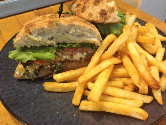 Gales Ferry, CT: spinach & feta burger