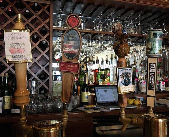 Albemarle, NC: A full service bar...cheers!
