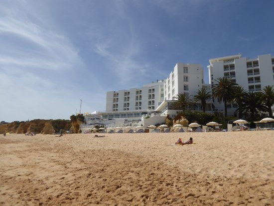 Holiday Inn Algarve   Armacao De Pera: View Of Hotel From Beach. Room Key