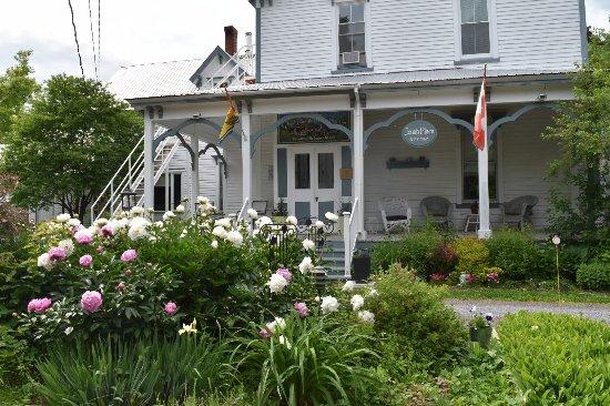 Sussex, Canada: Full Bloom