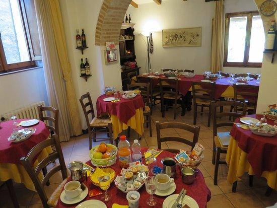La Terrazza di Montepulciano: Breakfast room