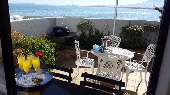 Κόλπος Gordon, Νότια Αφρική: Seaside Studio courtyard and sea view