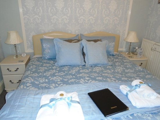 Trefoil Guest House: Beautiful bedroom