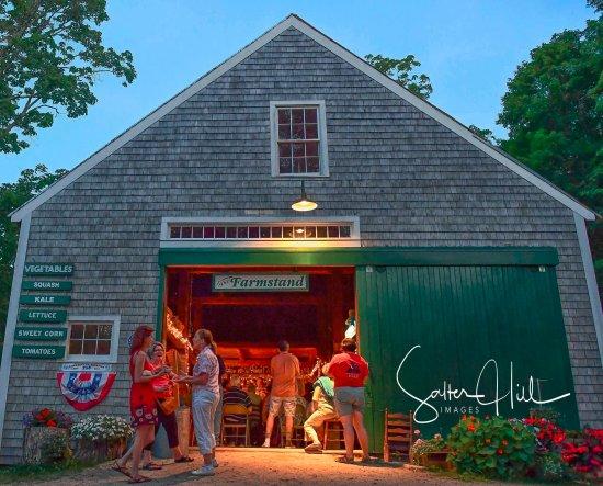 Chocorua, NH: The barn, concert night