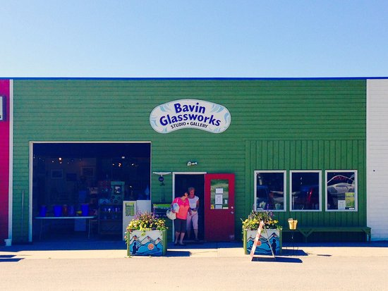 Windermere, Canada: Our storefront in summer.