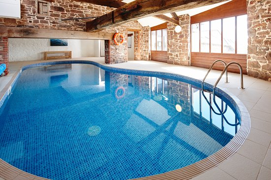 Karuna Detox Retreat : Indoor Heated Fresh Swimming Pool with fresh well water