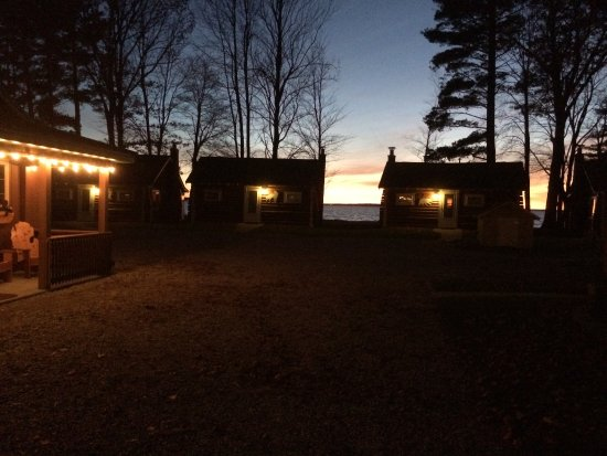 Houghton Lake, MI: Relaxing evenings by the lake