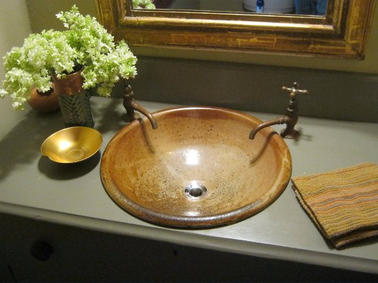 Seagrove, Kuzey Carolina: We Make Sinks.