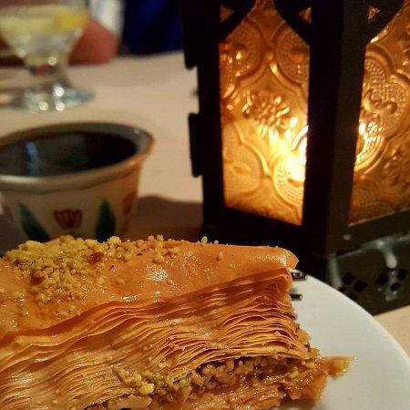 The Aladdin Restaurant : Baklava and turkish coffee