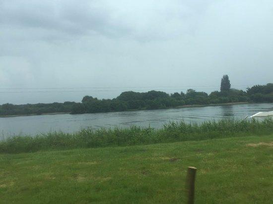 Mytchett, UK: The view around the restaurant