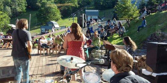 Roxbury, Estado de Nueva York: Free Concert Series First Saturday of the month July thru October