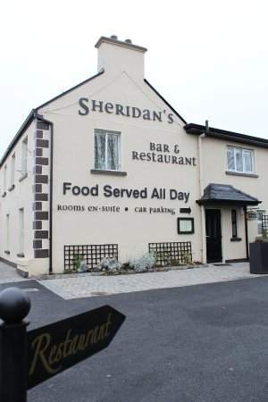 Milltown, Ireland: Entrance to restaurant