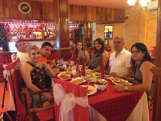 Delicias Cubanas: comida en familia