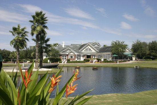 Eagle Harbor Golf Club: Clubhouse