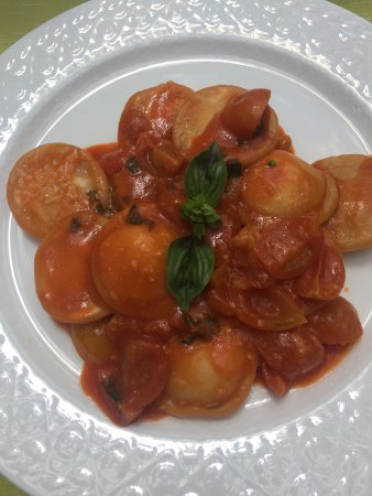Hotel Oasi Olimpia Relais: Ravioli made at the cookery school