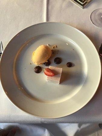 Restaurant Weinrot Bild
