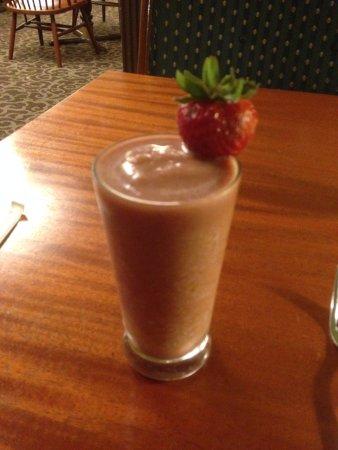 Simpson's: All-fruit strawberry banana smoothie