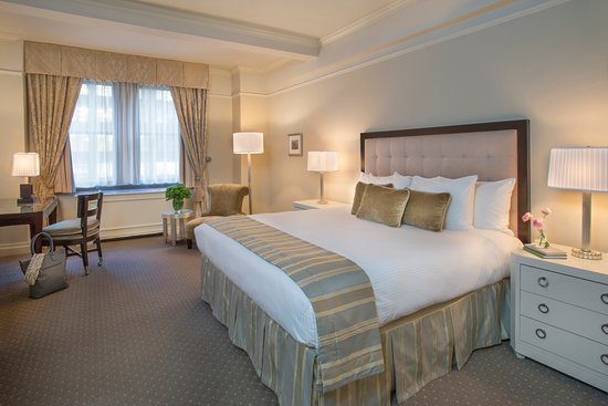 Warwick New York: Premier Plus King Room - City View