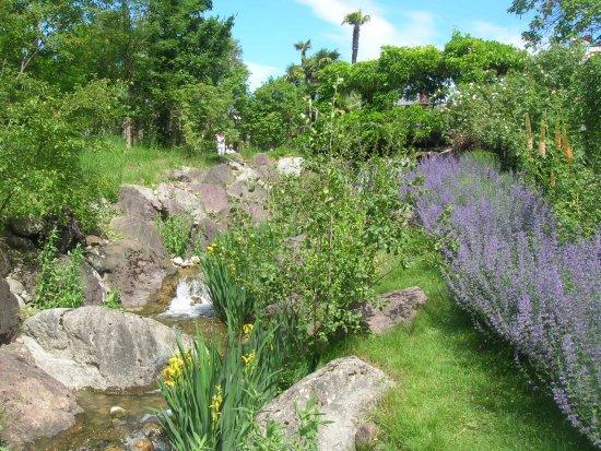 Il torrente di montagna foto di i giardini di castel - Giardini di montagna ...