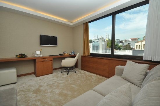 Kalyon Hotel Istanbul: Some Kalyon guestrooms have Blue Mosque view