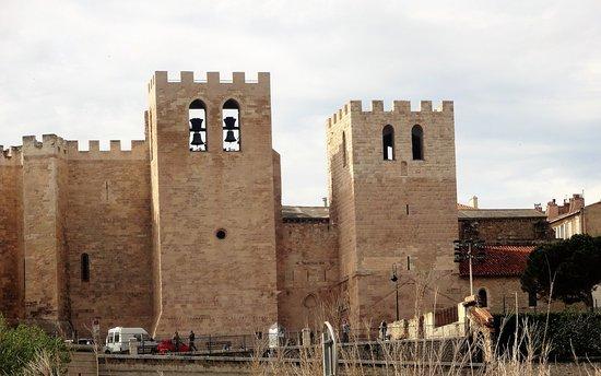 Abbaye Saint Victor : Torres quadradas