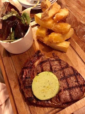 Fairford, UK: Good presentation and tasty dishes.