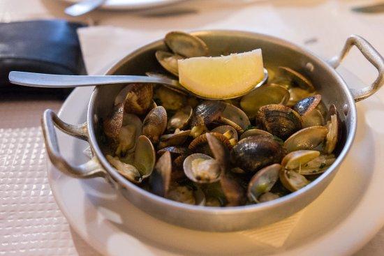 Estombar, Portogallo: Mussels
