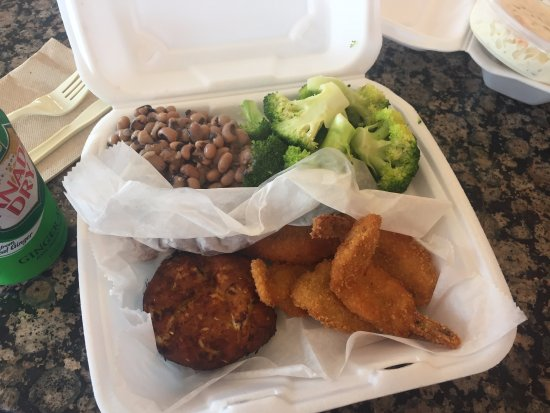 Takoma Park, MD: Fried shrimp and crab cake black eyed peas and broccoli