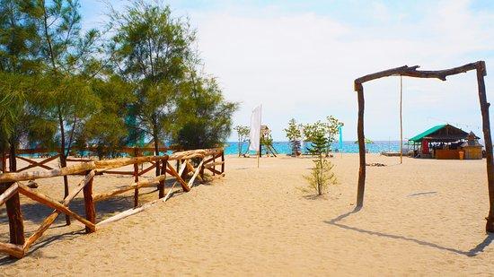 Zambales Province, Filippinerna: Crystal Beach Resort Zambales, Philippines