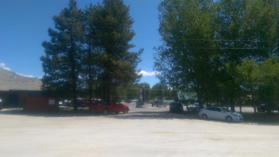 Cascade, ID: This is from behind the Chevron - pet area and shade.