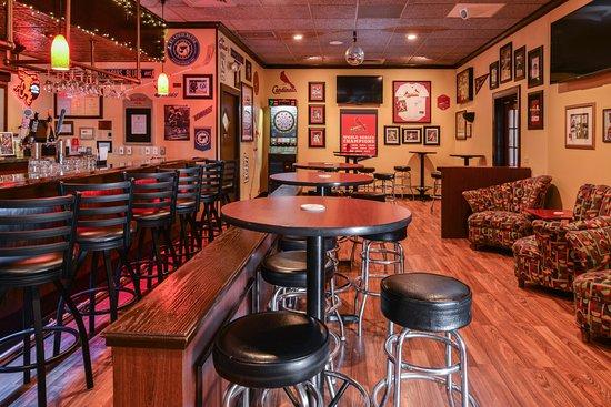 Kirkwood, MO: Van's Tavern