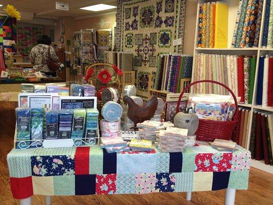 Winchester, فيرجينيا: A fabric feast!