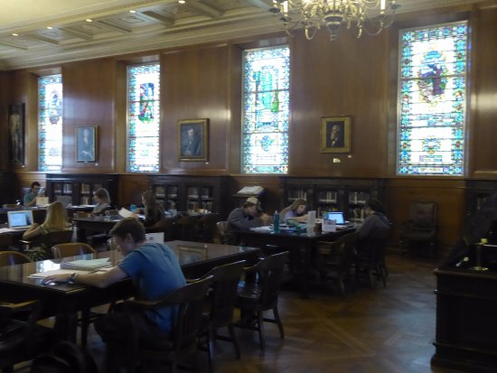 Armstrong Browning Library: reading room