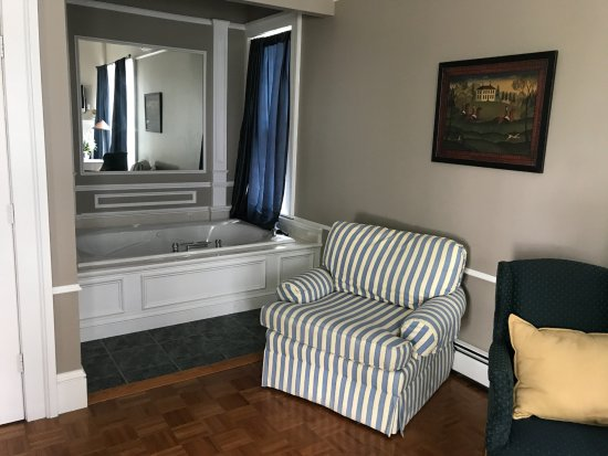 Groton, NY: Hunter Logan Suite