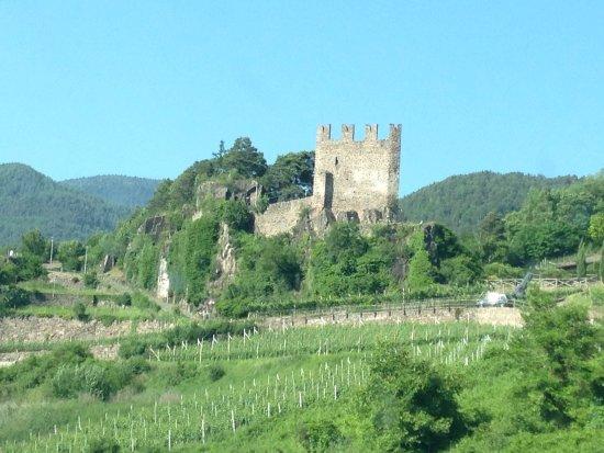Segonzano, Italy: Le château