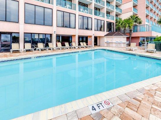 Sandcastle South Beach Resort: Outdoor Pool