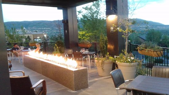 Several Great Spots To Dine Outside Weather Permitting Picture Of Cliff Dining Pub Draper Tripadvisor