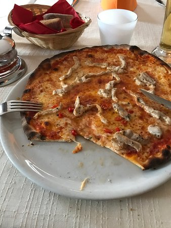 Trimbach, Suiza: Pizza con carne !! Great !!